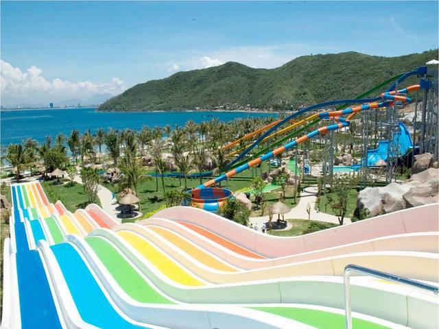 水上乐园的水池为什么要涂游泳池漆